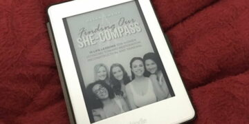 Review of Finding Our She compass by Helen Owens